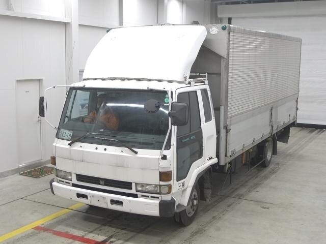 ISUZU Forward.