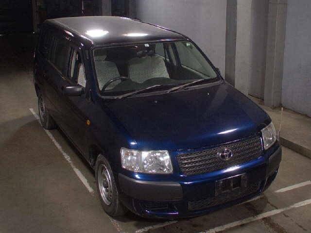 TOYOTA Succeed Van.
