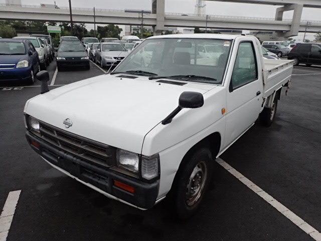 NISSAN Datsun Truck