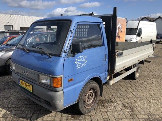 MAZDA E2200