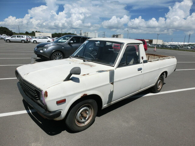 NISSAN Sunny Truck