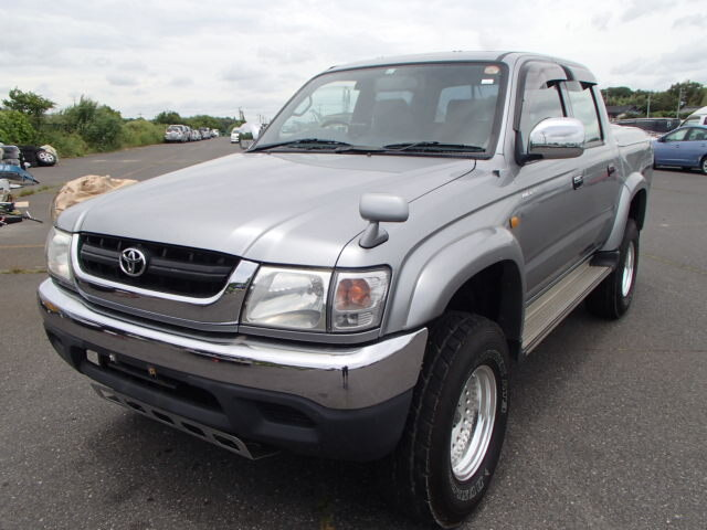 TOYOTA Hilux Sports Pickup