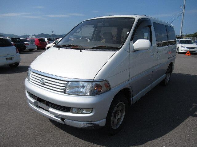 TOYOTA Regius Wagon