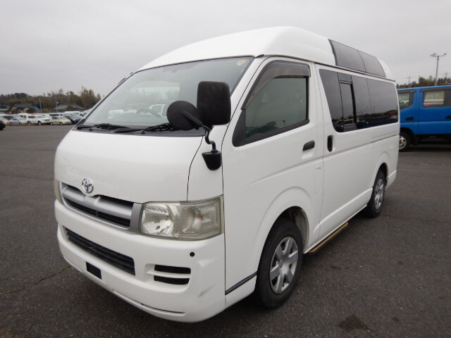 TOYOTA / Regiusace Van (CBF-TRH200K)