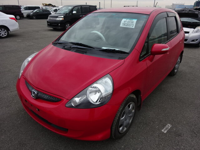 HONDA / Fit (DBA-GD1)