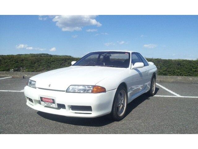 NISSAN Skyline Coupe.