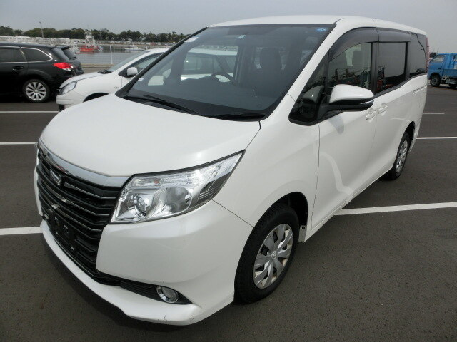 2014 New Import Toyota Noah Minivan $1,159,020.00