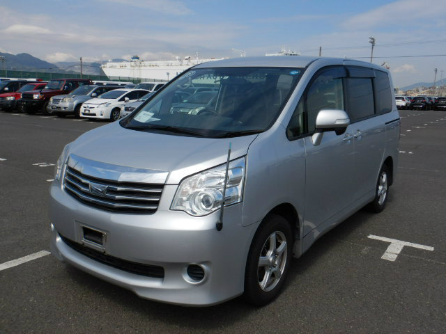 2014 New Import Toyota Noah