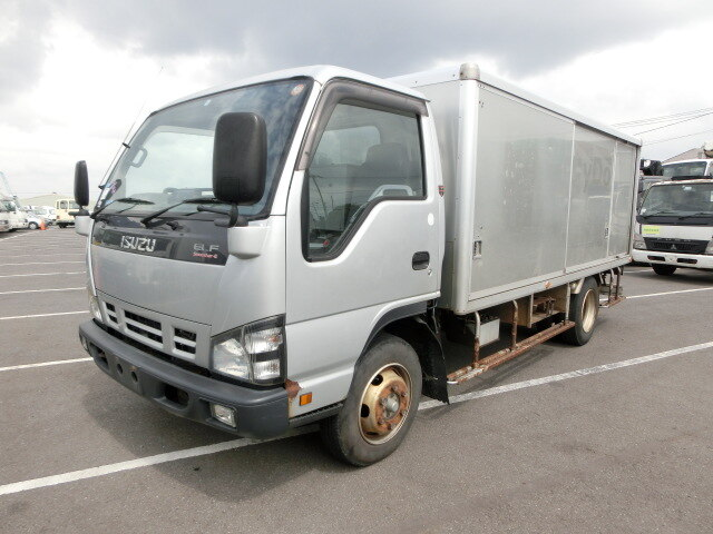ISUZU / Elf Truck (PB-NPS81AN)