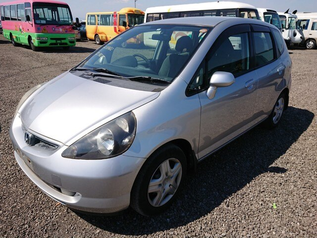 HONDA / Fit (LA-GD1)