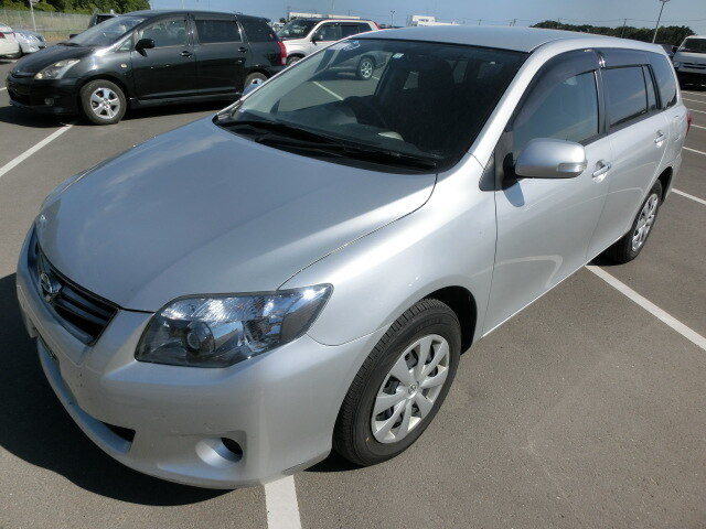 TOYOTA / Corolla Fielder (DBA-ZRE144G)