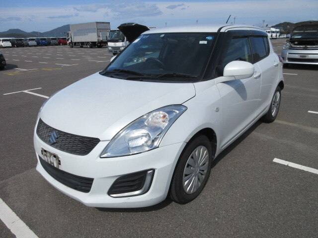 SUZUKI / Swift (DBA-ZC72S)