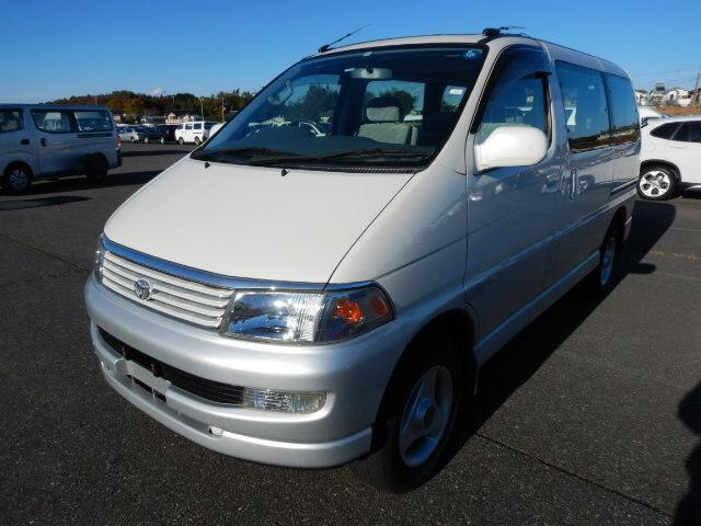 TOYOTA / Regius Wagon (E-RCH47W)