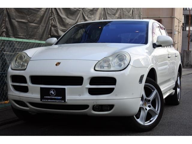 Porsche Cayenne;