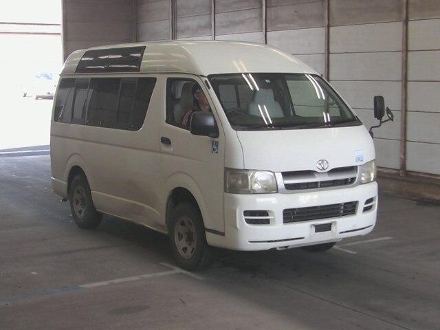 TOYOTA Regiusace Van.