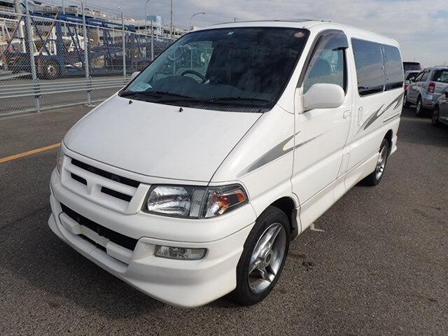 TOYOTA / Regius Wagon (E-RCH41W)