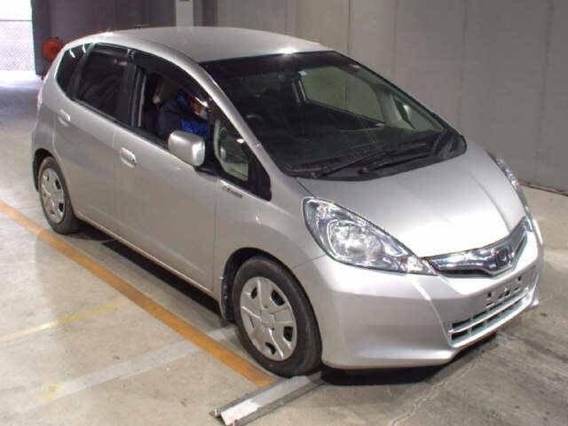 HONDA / Fit Hybrid/ (DAA-GP1)