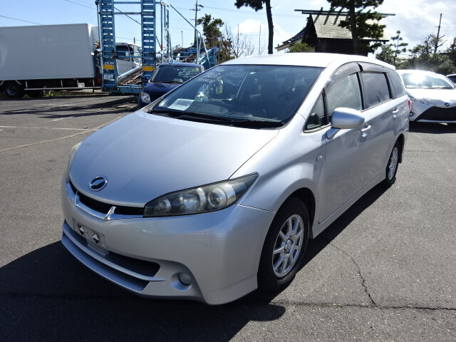 TOYOTA / Wish (DBA-ZGE20W)