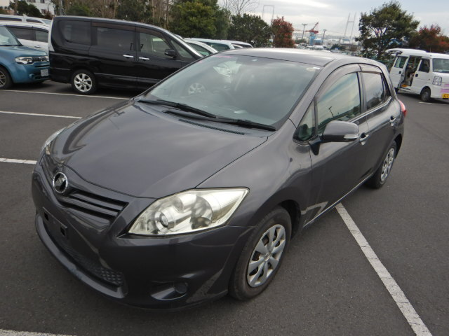 TOYOTA / Auris (DBA-NZE151H)