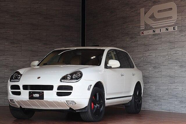Porsche Cayenne]