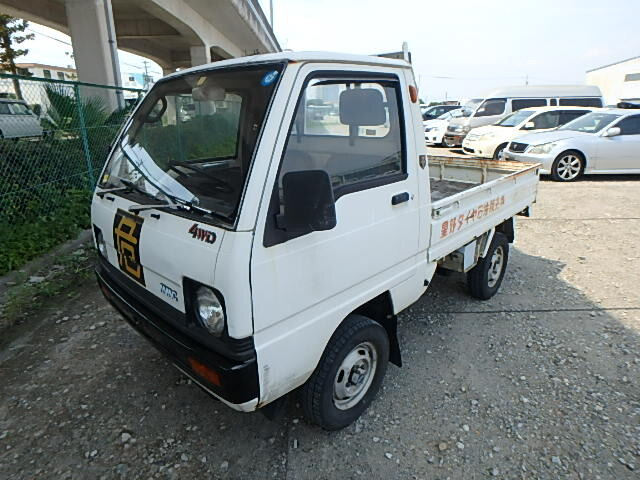 MITSUBISHI / Minicab Truck (M-U15T)