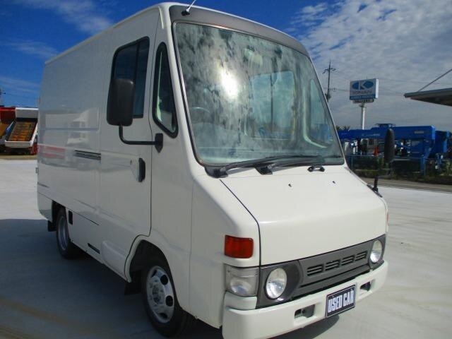 TOYOTA / Dyna Urban Supporter (LY228K)