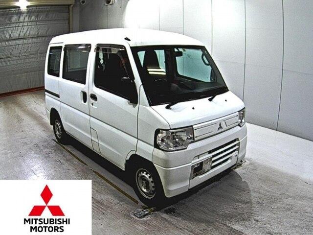 MITSUBISHI Minicab Van.