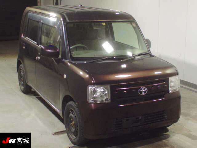 TOYOTA / Pixis Space (DBA-L575A)