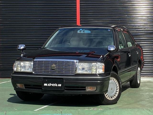 TOYOTA Crown Sedan
